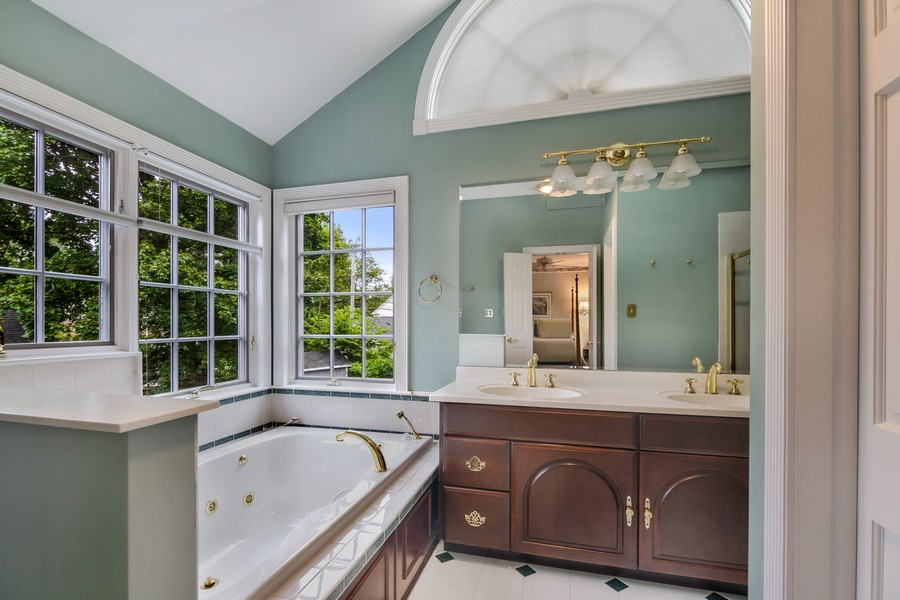 Real Estate Photography - 605 S. Burton Pl, Arlington Heights, IL, 60005 - Master Bathroom
