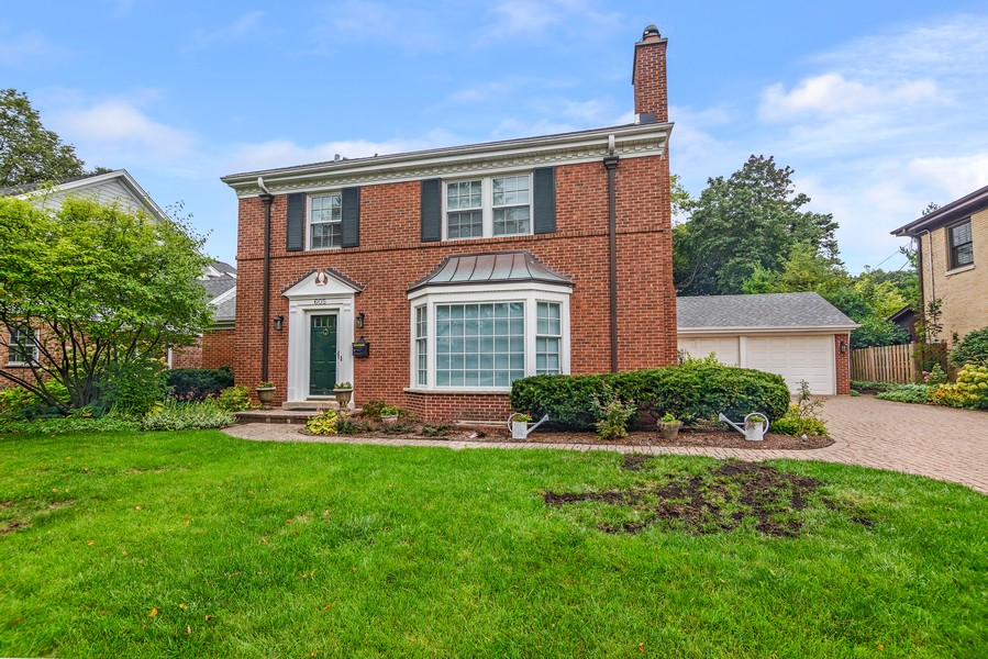 Real Estate Photography - 605 S. Burton Pl, Arlington Heights, IL, 60005 - Front View