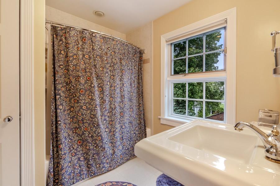 Real Estate Photography - 605 S. Burton Pl, Arlington Heights, IL, 60005 - Bathroom