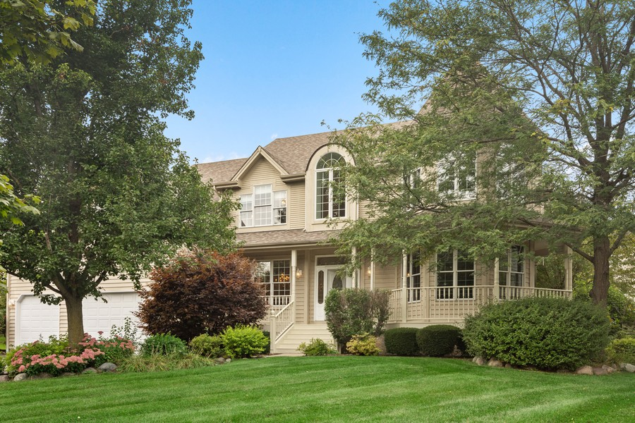 Real Estate Photography - 22820 S Woodcrest Ln, Kildeer, IL, 60047 - Front View