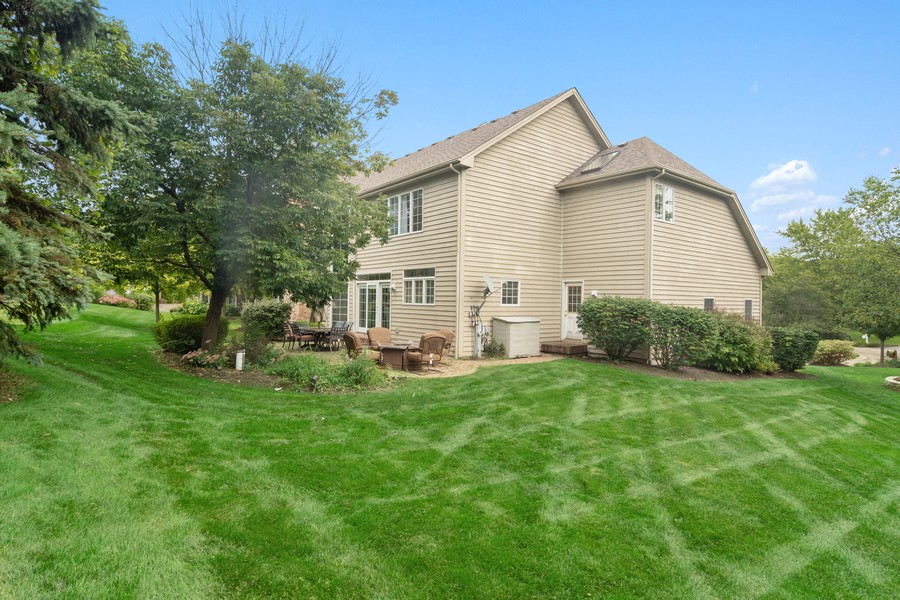 Real Estate Photography - 22820 S Woodcrest Ln, Kildeer, IL, 60047 - Side View