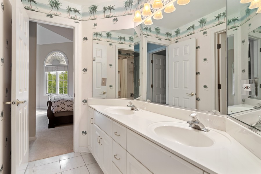 Real Estate Photography - 22820 S Woodcrest Ln, Kildeer, IL, 60047 - Bathroom