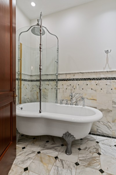 Real Estate Photography - 817 West Wrightwood, Chicago, IL, 60614 - 4th Bathroom