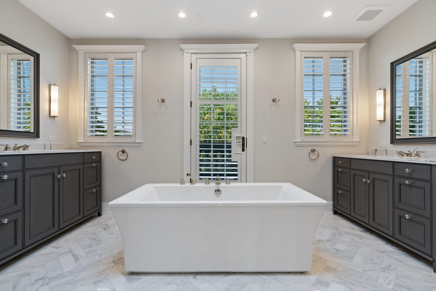 Real Estate Photography - 817 West Wrightwood, Chicago, IL, 60614 - Master Bathroom