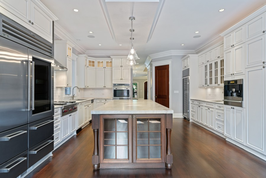 Real Estate Photography - 817 West Wrightwood, Chicago, IL, 60614 - Kitchen