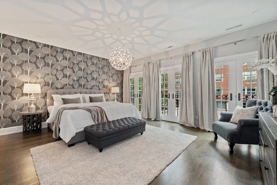 Real Estate Photography - 1306 W Byron St, Chicago, IL, 60613 - Master Bedroom