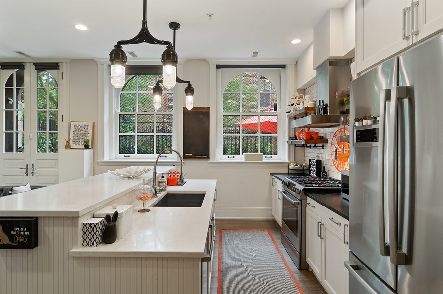 Real Estate Photography - 1855 N Sheffield Ave, Unit 105, Chicago, IL, 60614 - Kitchen