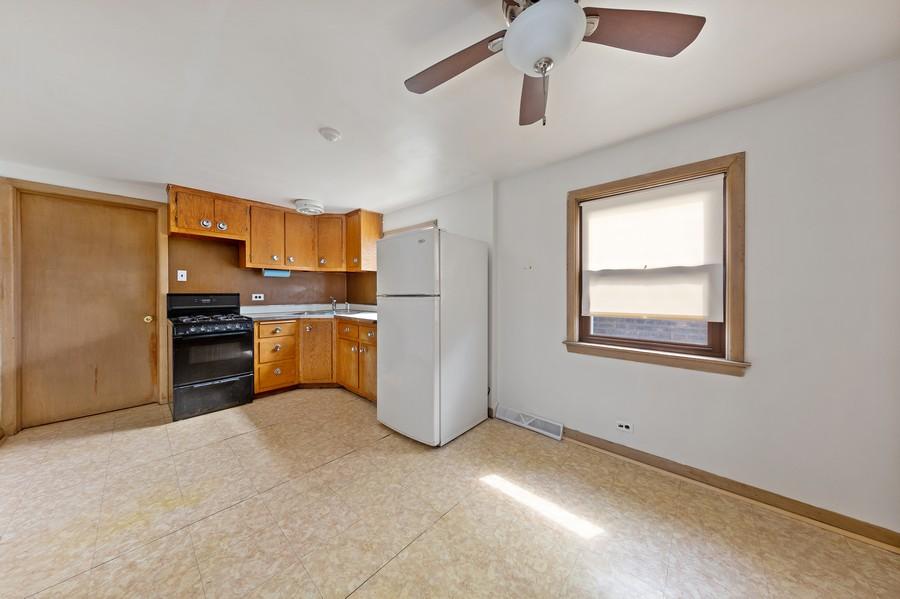 Real Estate Photography - 5727 S Austin Avenue, Chicago, IL, 60638 - Breakfast Area