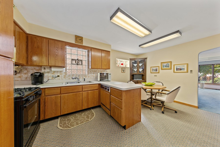 Real Estate Photography - 5727 S Austin Avenue, Chicago, IL, 60638 - Kitchen