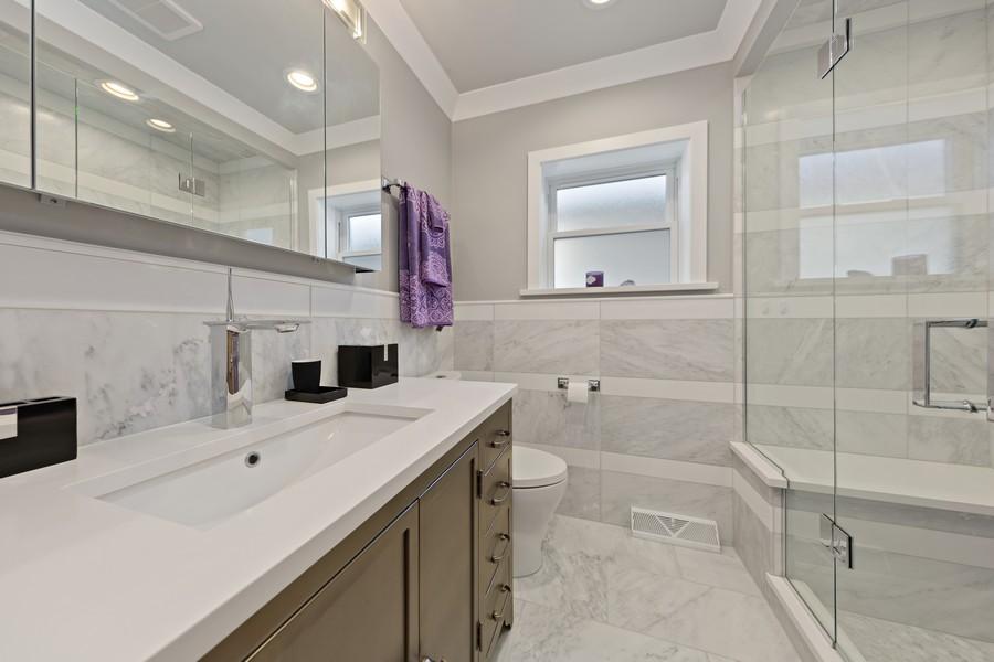 Real Estate Photography - 5727 S Austin Avenue, Chicago, IL, 60638 - Bathroom