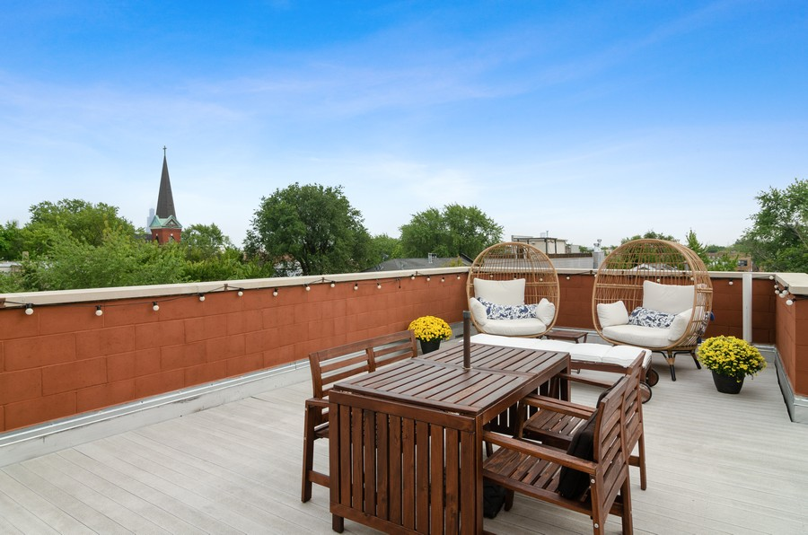 Real Estate Photography - 2627 W. Thomas unit 3, Chicago, IL, 60622 - Roof Deck
