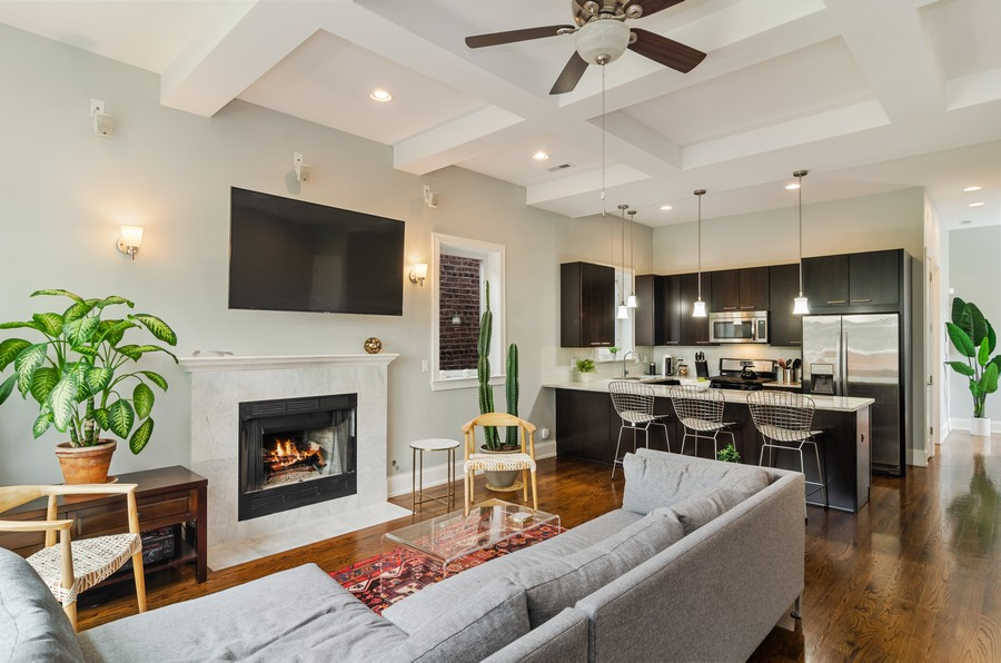 Real Estate Photography - 2627 W. Thomas unit 3, Chicago, IL, 60622 - Kitchen / Living Room