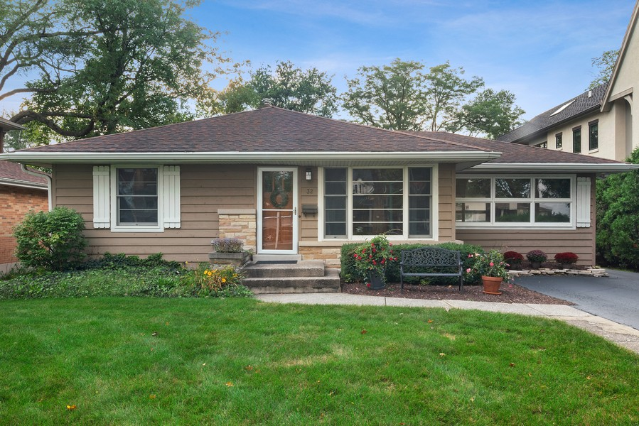Real Estate Photography - 32 Arthur Ave., Clarendon Hills, IL, 60514 - Front of Home