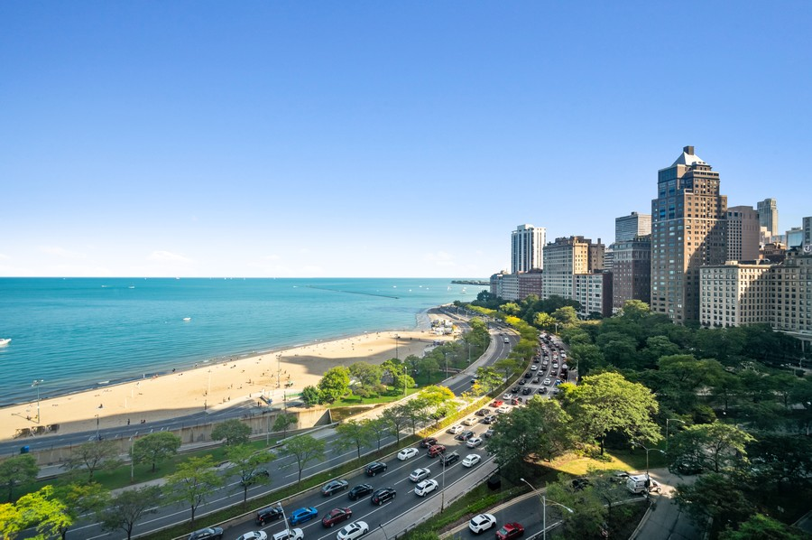 Real Estate Photography - 1100 N Lake Shore Dr, 13A, Chicago, IL, 60611 - View