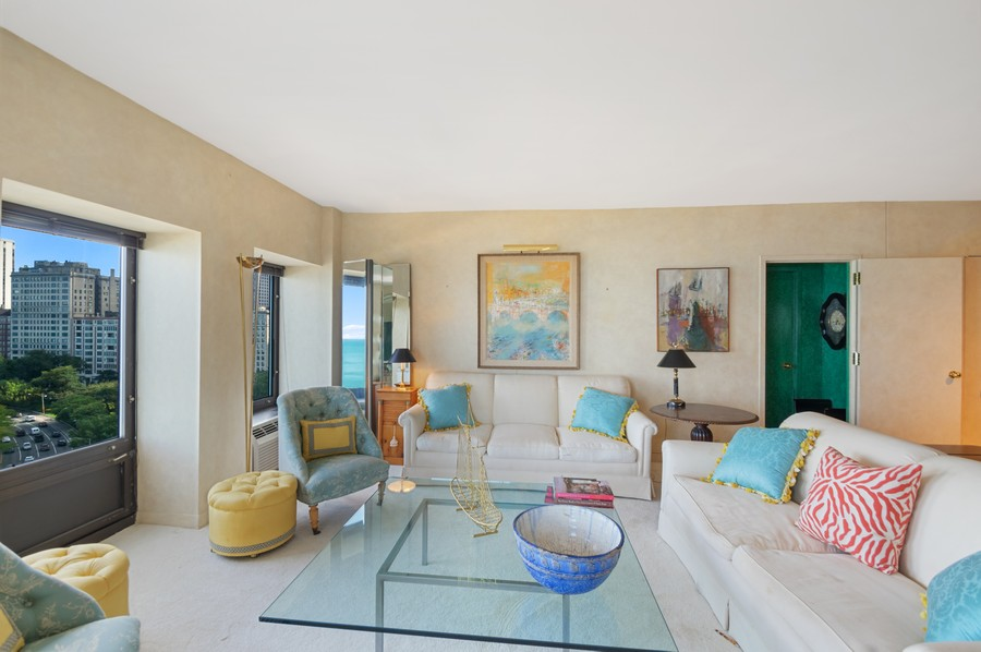 Real Estate Photography - 1100 N Lake Shore Dr, 13A, Chicago, IL, 60611 - Living Room