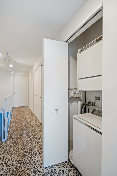 Real Estate Photography - 1100 N Lake Shore Dr, 13A, Chicago, IL, 60611 - Laundry Room