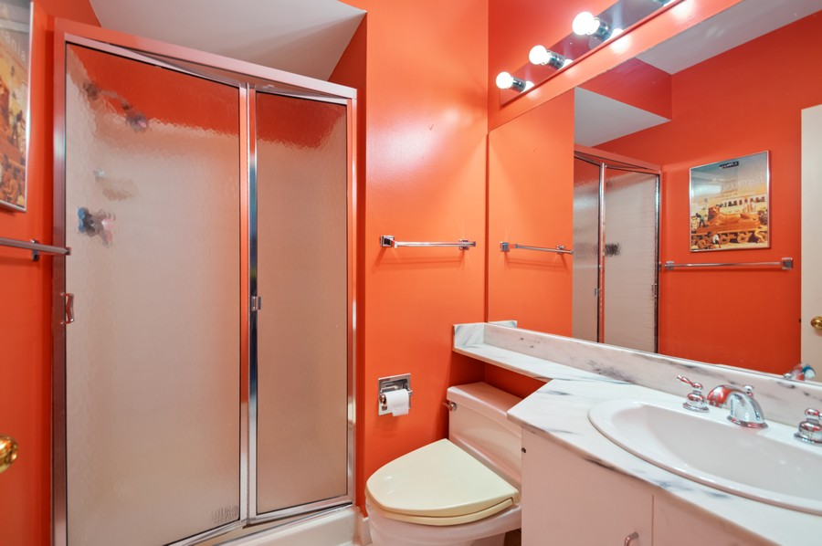 Real Estate Photography - 1100 N Lake Shore Dr, 13A, Chicago, IL, 60611 - 2nd Bathroom