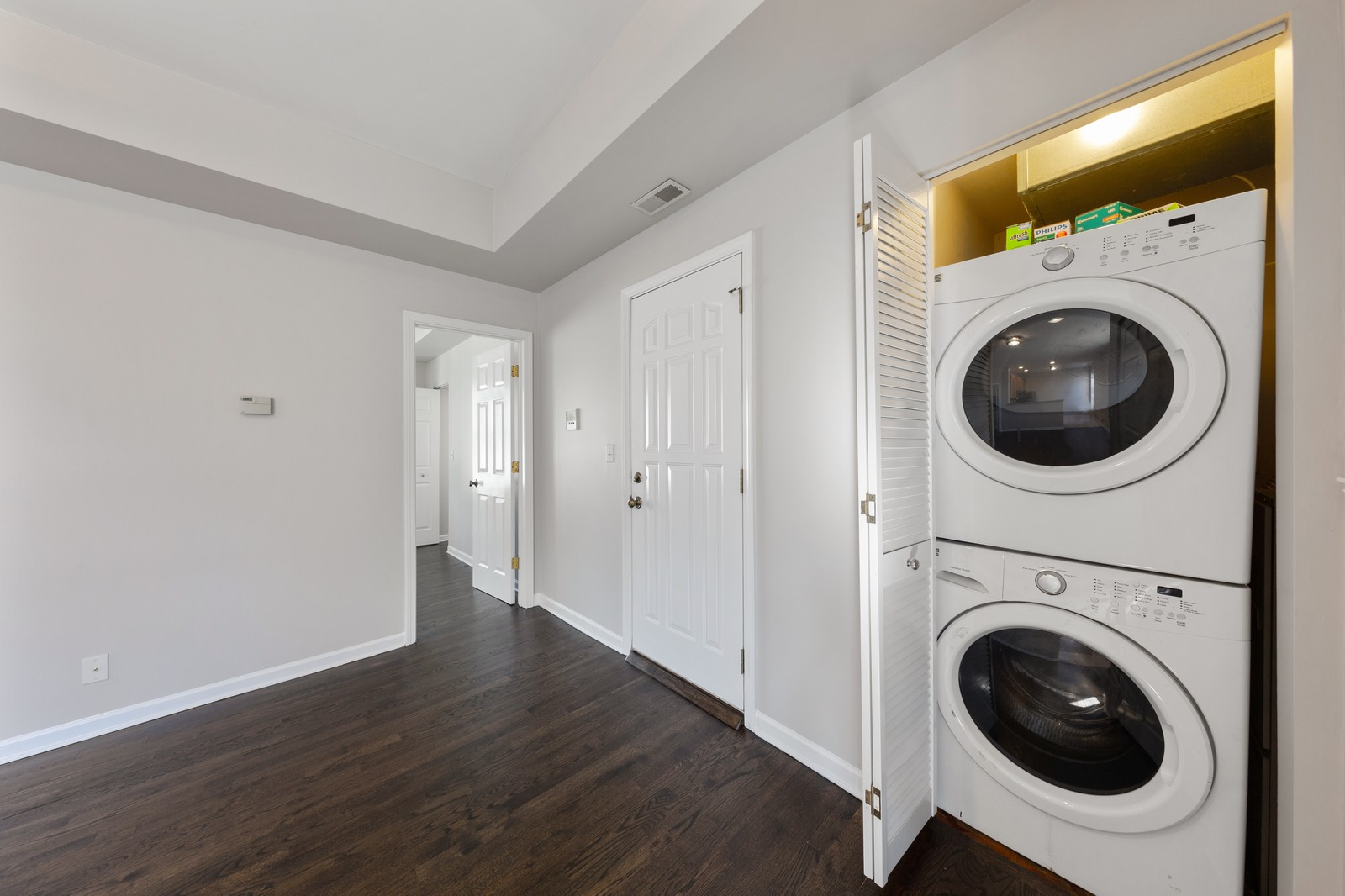 Real Estate Photography - 2605 N Hamlin #2, Chicago, IL, 60647 - Laundry Room