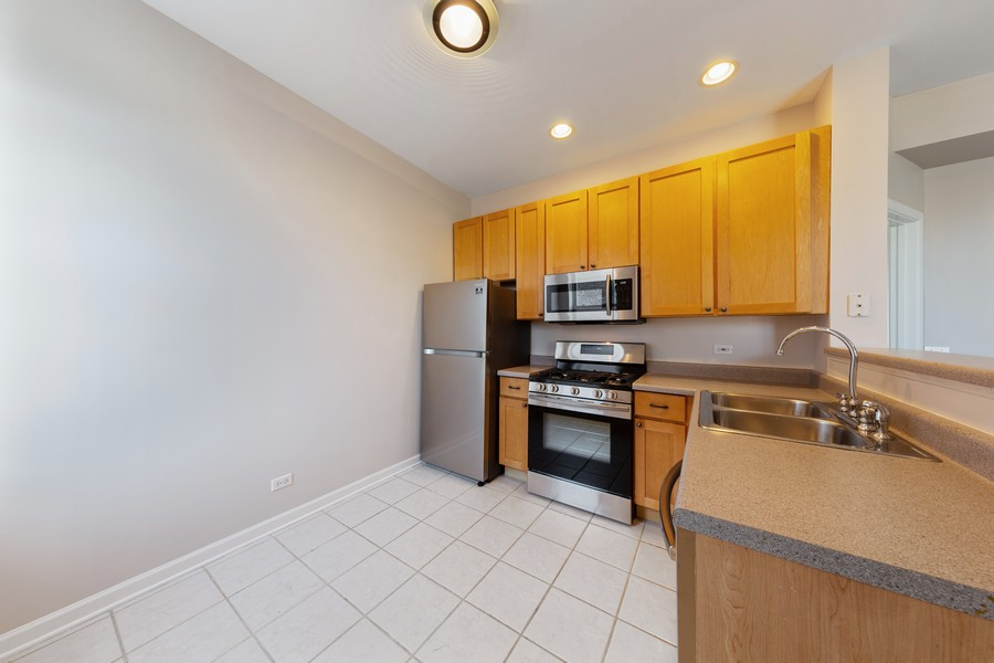 Real Estate Photography - 2605 N Hamlin #2, Chicago, IL, 60647 - Kitchen