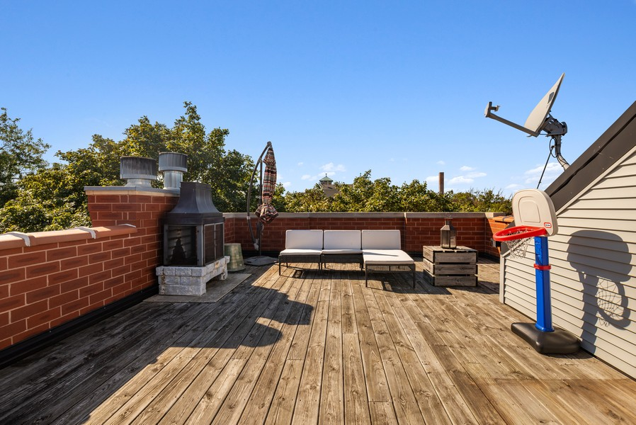 Real Estate Photography - 3555 N. Marshfield, #2, Chicago, IL, 60613 - Roof Deck