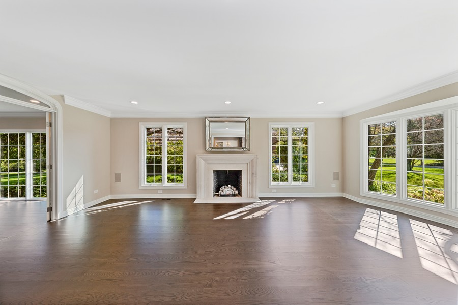Real Estate Photography - 527 Princeton Rd, Hinsdale, IL, 60521 - Living Room