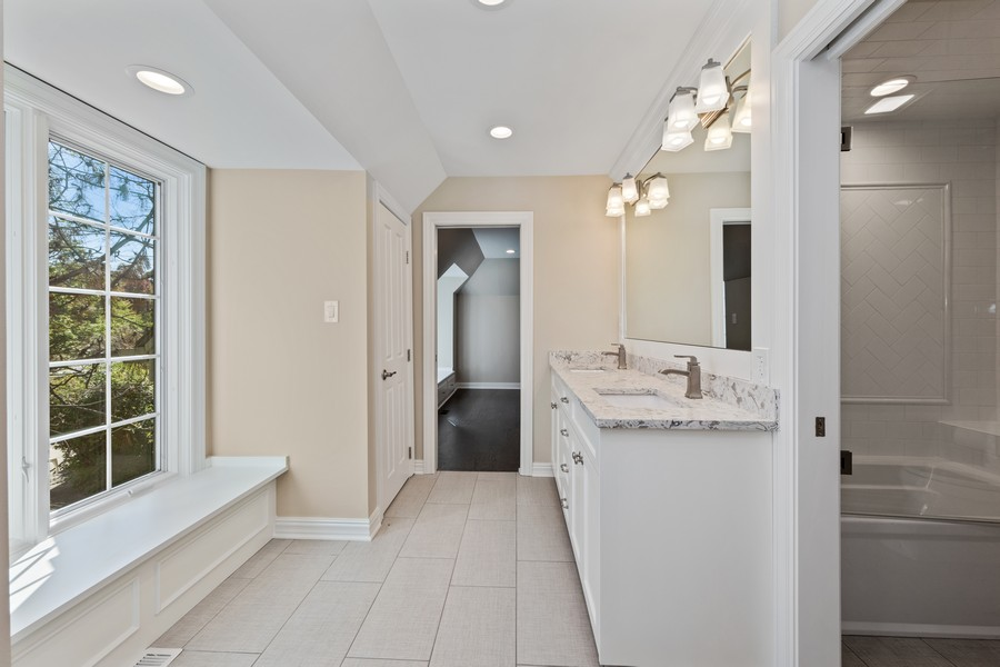 Real Estate Photography - 527 Princeton Rd, Hinsdale, IL, 60521 - 3rd Bathroom