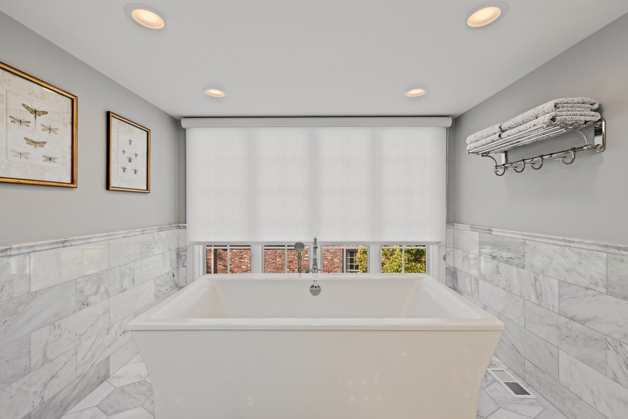 Real Estate Photography - 527 Princeton Rd, Hinsdale, IL, 60521 - Master Bathroom