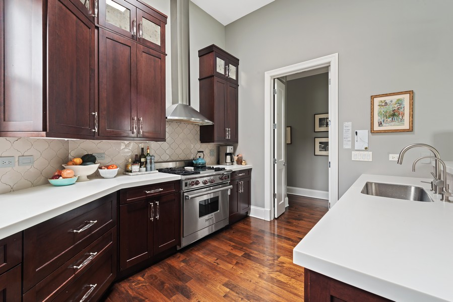 Real Estate Photography - 456 W Deming, Unit 4W, Chicago, IL, 60614 - Kitchen