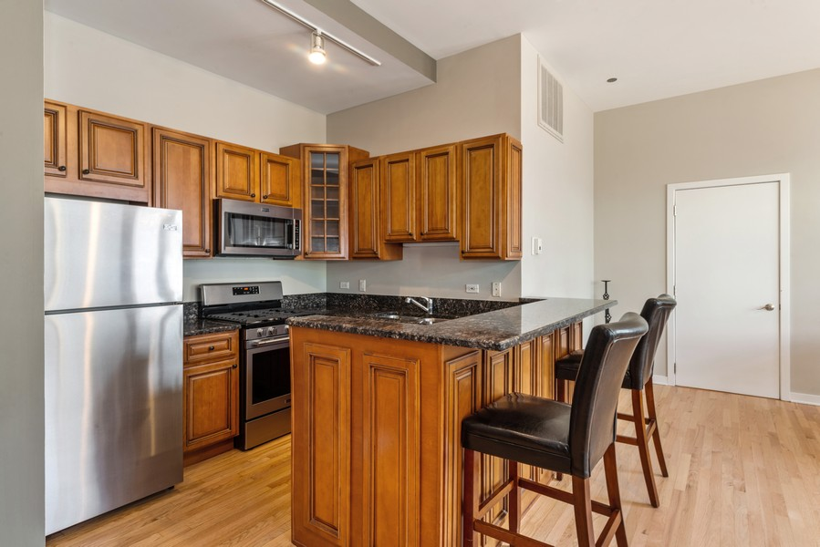 Real Estate Photography - 333 W Hubbard, 2A, Chicago, IL, 60654 - Kitchen