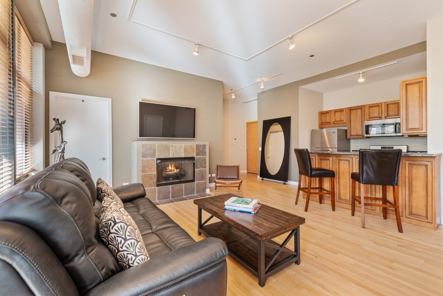 Real Estate Photography - 333 W Hubbard, 2A, Chicago, IL, 60654 - Kitchen/Living