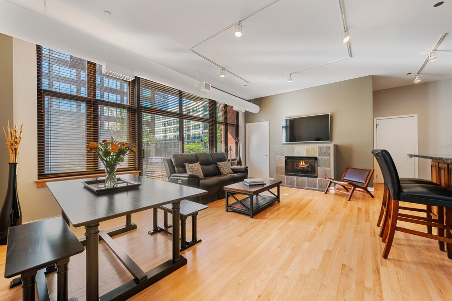 Real Estate Photography - 333 W Hubbard, 2A, Chicago, IL, 60654 - Living Room/Dining Room