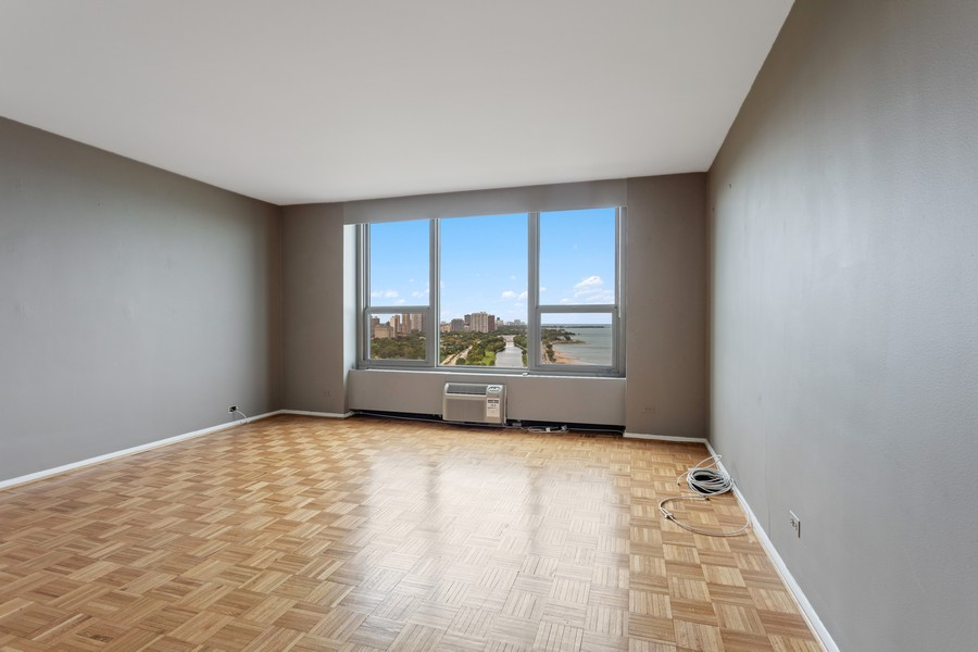 Real Estate Photography - 1550 N Lake Shore Dr, Chicago, IL, 60610 - Living Room