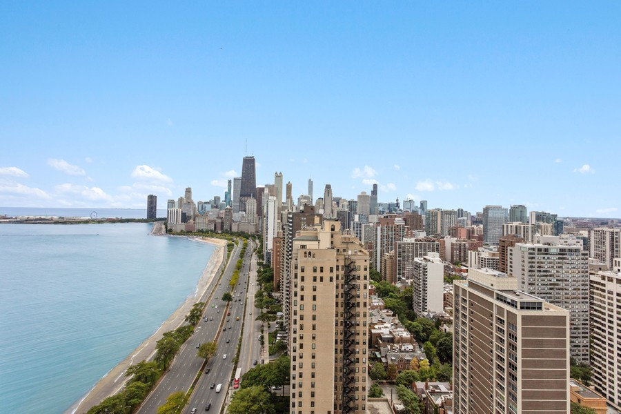 Real Estate Photography - 1550 N Lake Shore Dr, Chicago, IL, 60610 - View
