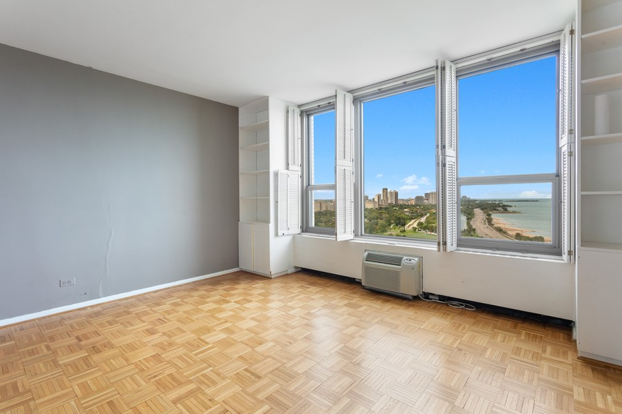 Real Estate Photography - 1550 N Lake Shore Dr, Chicago, IL, 60610 - Bedroom