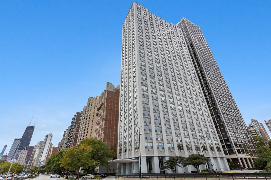 Real Estate Photography - 1550 N Lake Shore Dr, Chicago, IL, 60610 - Front View