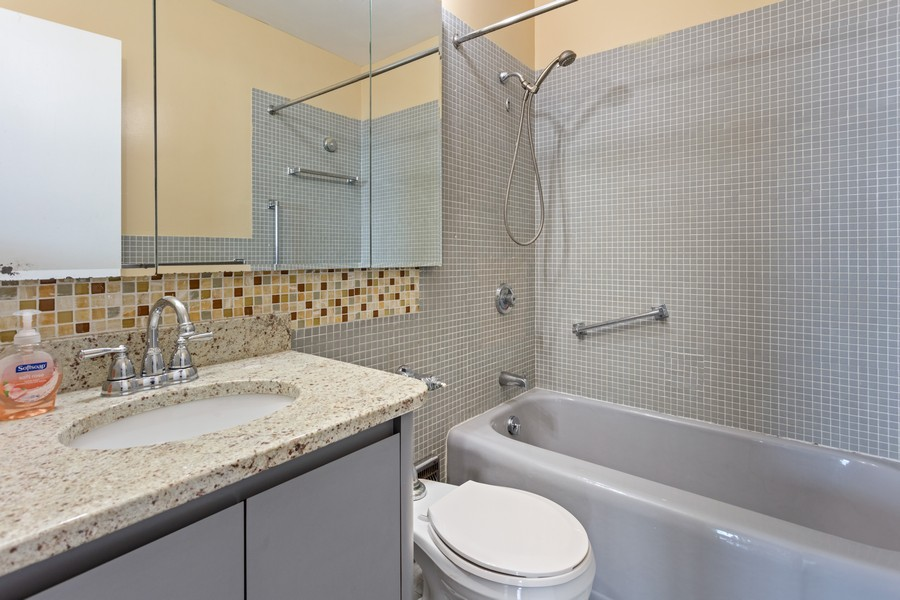 Real Estate Photography - 1550 N Lake Shore Dr, Chicago, IL, 60610 - Bathroom