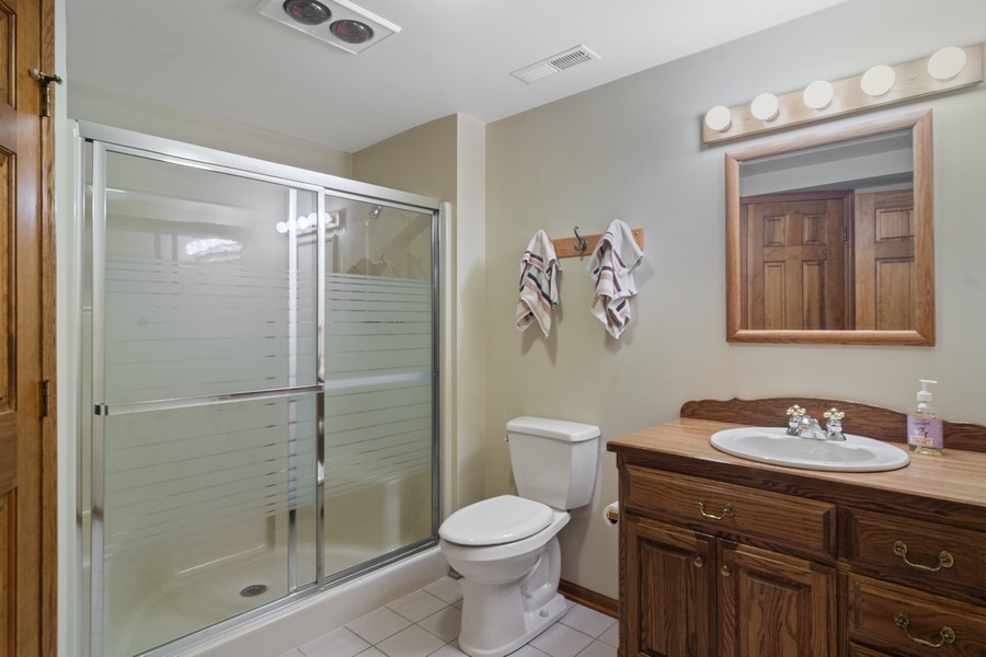 Real Estate Photography - 6534 Saddle Ridge Lane, Long Grove, IL, 60047 - 2nd Bathroom