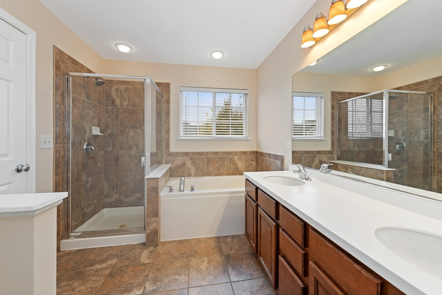 Real Estate Photography - 718 S Jade Ln, Rolling Meadows, IL, 60073 - Master Bathroom