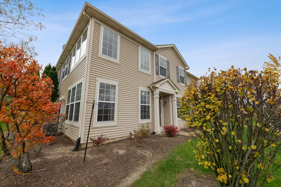 Real Estate Photography - 718 S Jade Ln, Rolling Meadows, IL, 60073 - Front View