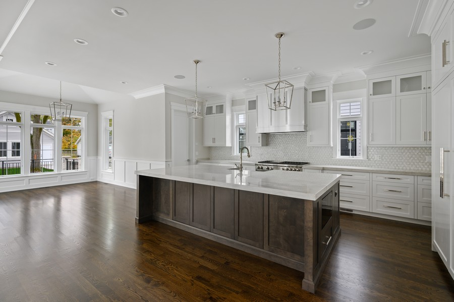 Real Estate Photography - 1119 Forest Ave, Wilmette, IL, 60091 - Kitchen / Breakfast Room