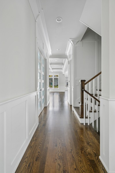 Real Estate Photography - 1119 Forest Ave, Wilmette, IL, 60091 - Hallway