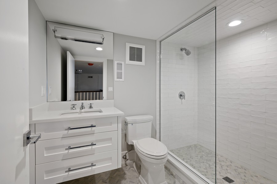 Real Estate Photography - 1119 Forest Ave, Wilmette, IL, 60091 - Full Bath - 3rd Floor