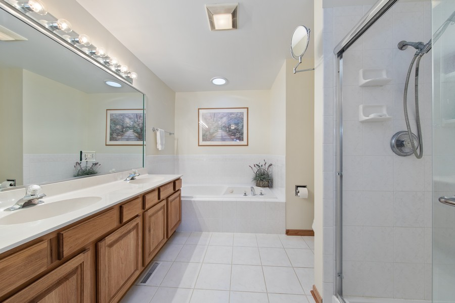 Real Estate Photography - 12219 Spire Drive, Lemont, IL, 60439 - Master Bathroom
