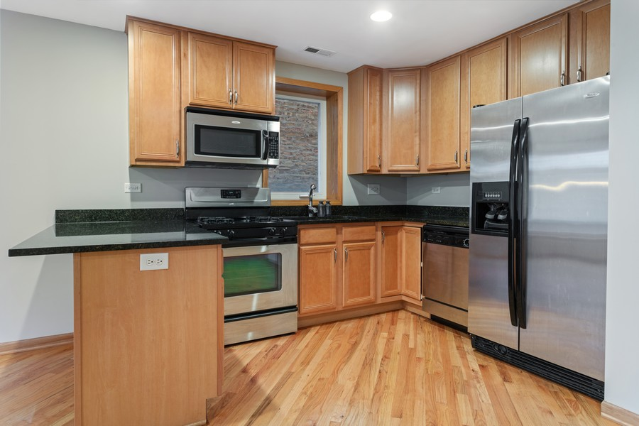Real Estate Photography - 3552 S Giles, 2S, Chicago, IL, 60653 - Kitchen