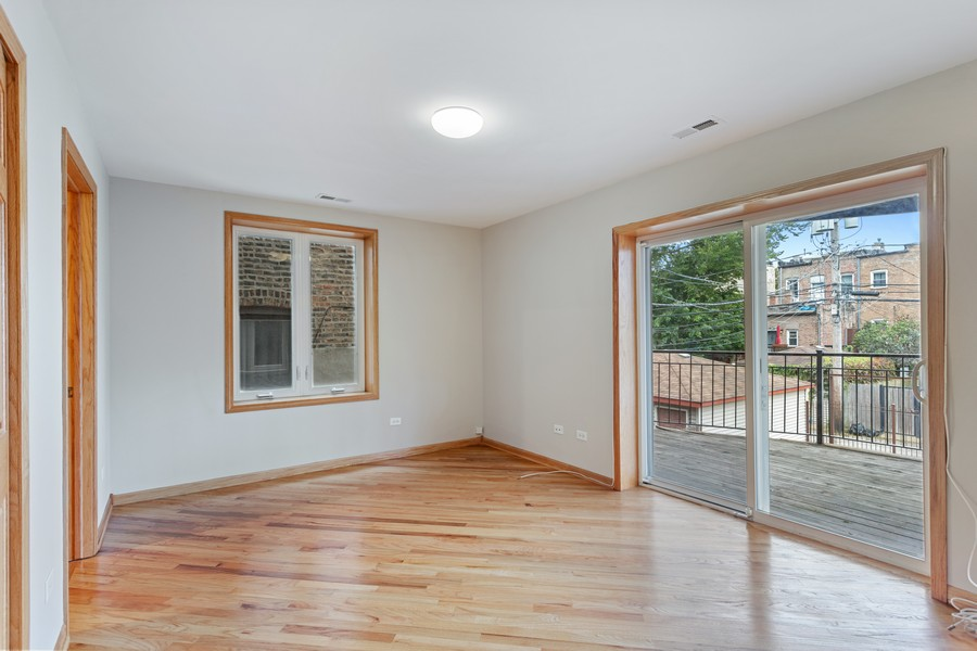 Real Estate Photography - 3552 S Giles, 2S, Chicago, IL, 60653 - Bedroom