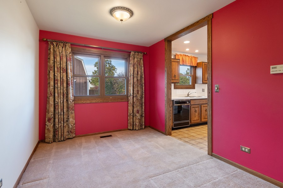 Real Estate Photography - 820 W Appletree Ln, Bartlett, IL, 60103 - Dining Area