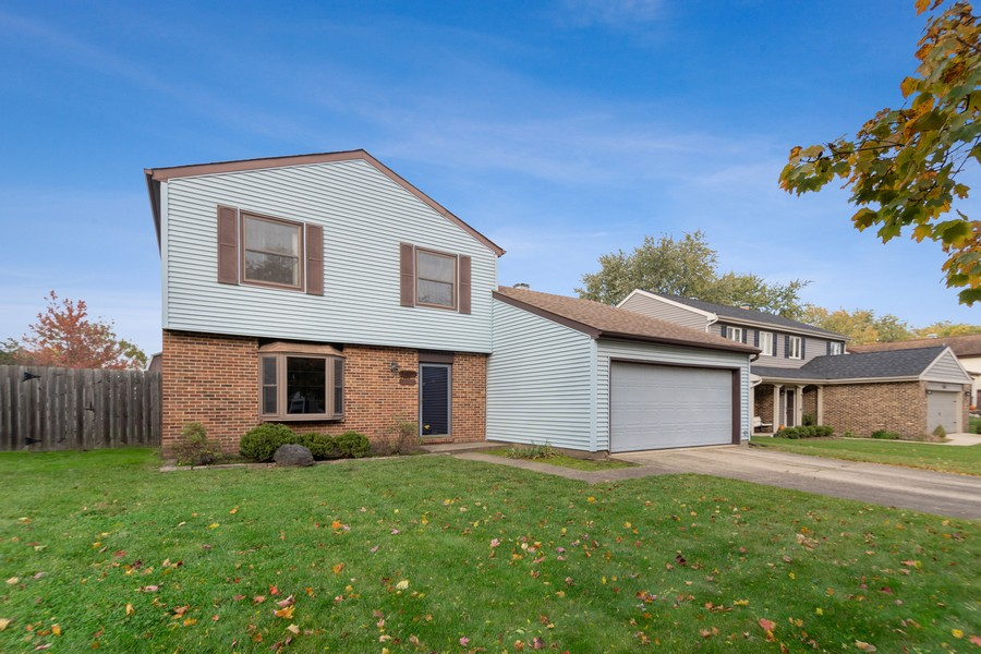 Real Estate Photography - 820 W Appletree Ln, Bartlett, IL, 60103 - Front View
