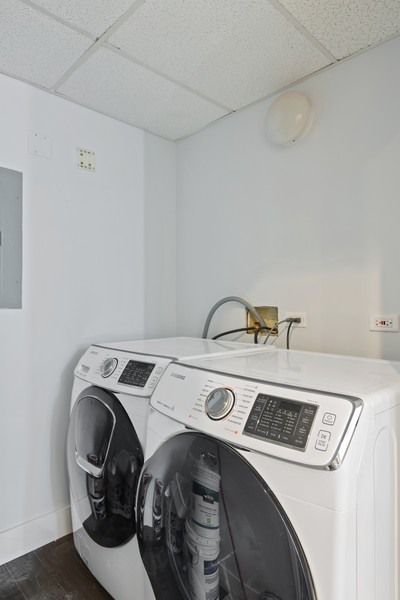 Real Estate Photography - 910 S Michigan Ave, Unit 1612, Chicago, IL, 60605 - Laundry Room
