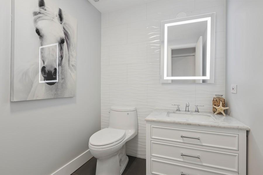 Real Estate Photography - 910 S Michigan Ave, Unit 1612, Chicago, IL, 60605 - Half Bath