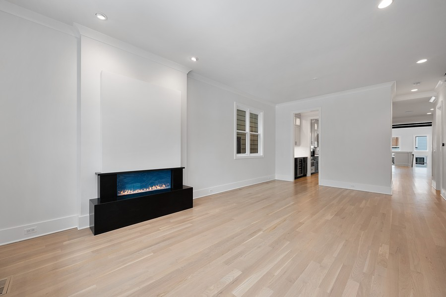 Real Estate Photography - 4100 N Oakley Ave, Chicago, IL, 60618 - Living Room